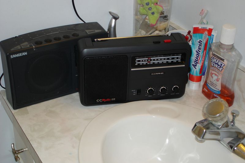 Delicieux For The Bathroom, I Need A Radio With A Relatively Small Footprint That  Wonu0027t Take Up A Lot Of Space On My Vanity   With The Ability To Fit In  Between The ...